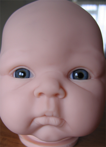 Mouth blown doll eyes. Color: BLUE GREY